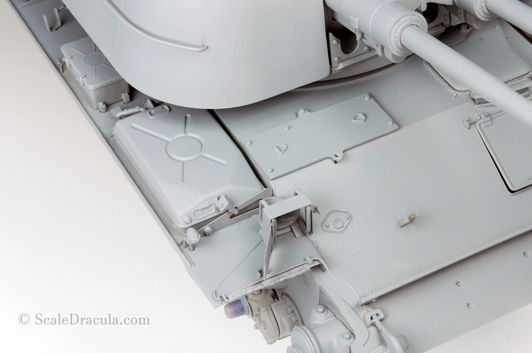 Details of the primed model, ZSU-57 by TAKOM