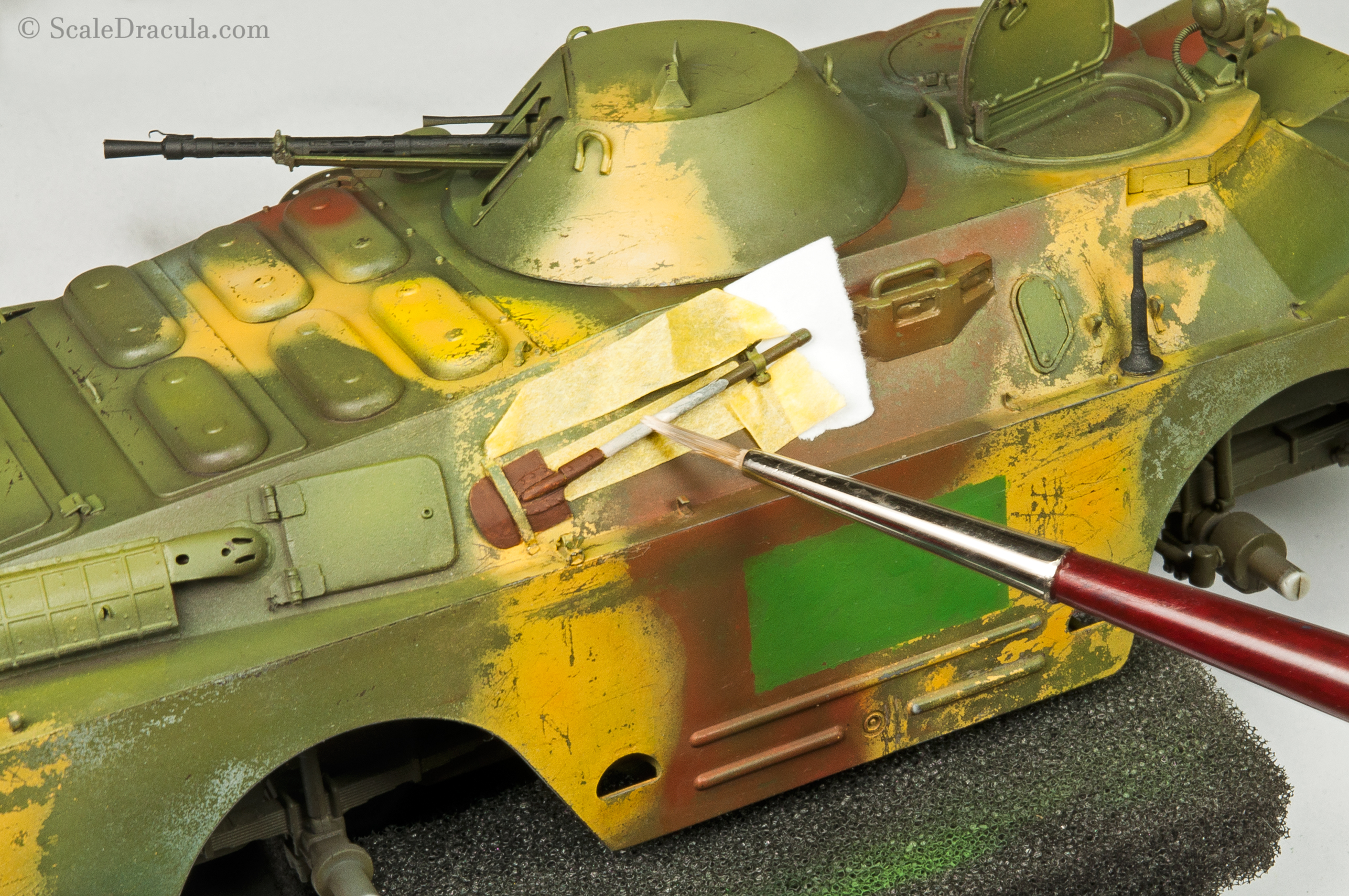 Painting the shovel, BRDM-2 by Trumpeter