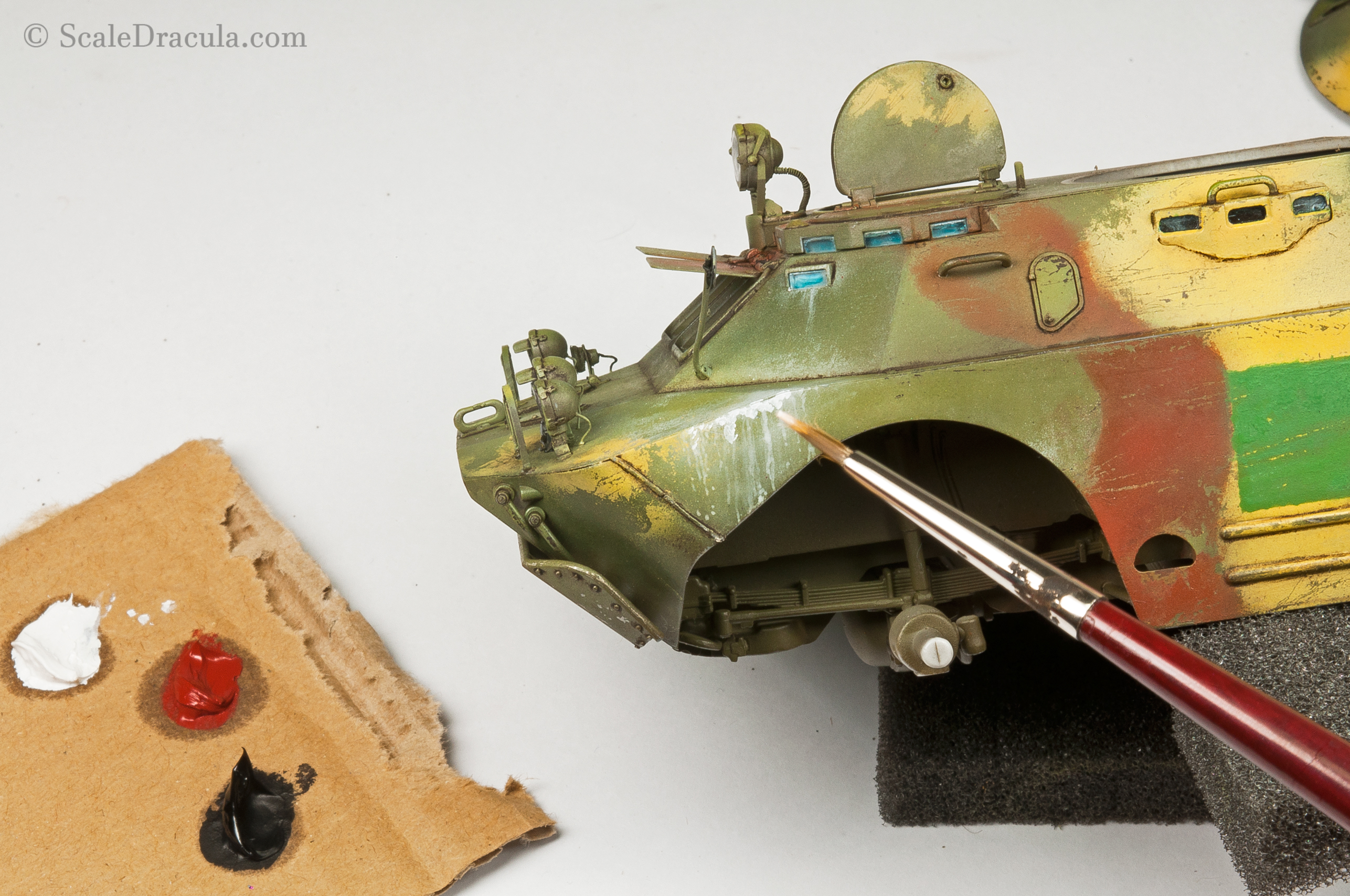 Painting white streaks with oil paint, BRDM-2 by Trumpeter