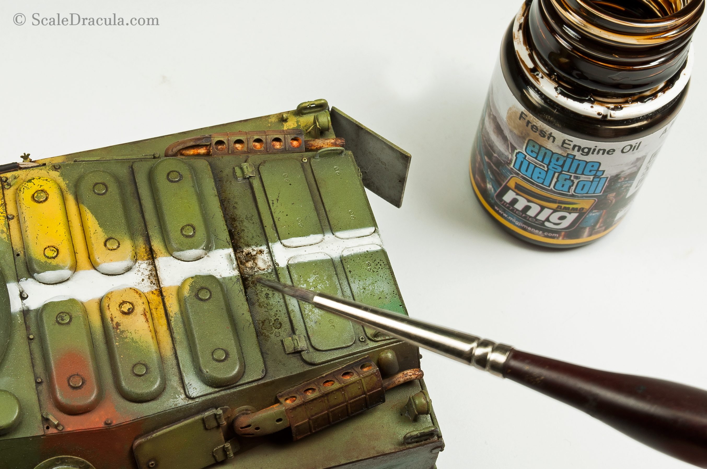 Greasy oil effects with Ammo Fresh Engine Oil, BRDM-2 by Trumpeter