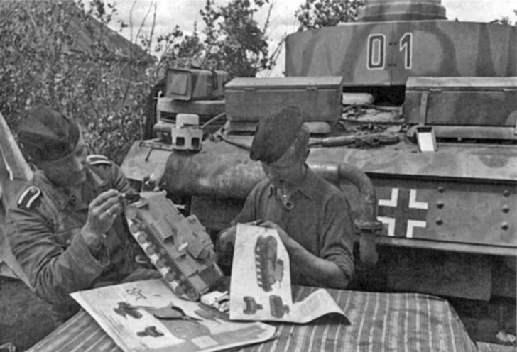 German tankers making KV-1 model