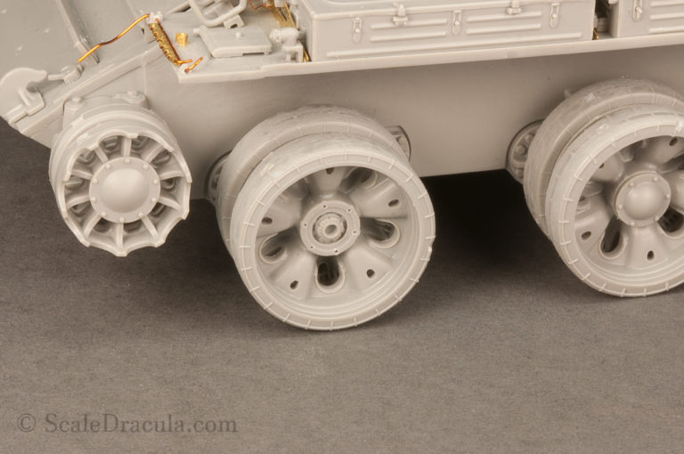 Beautiful details of the wheel hub, ZSU-57 by TAKOM