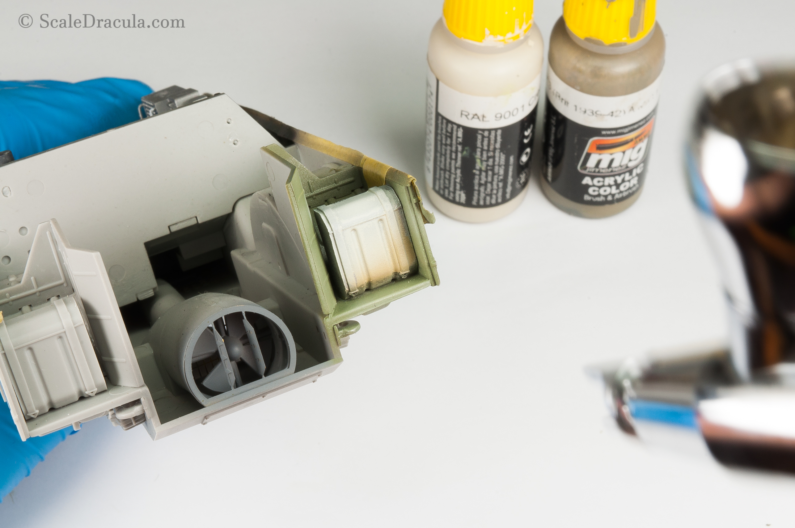 Painting the gas tank, BRDM-2 by Trumpeter