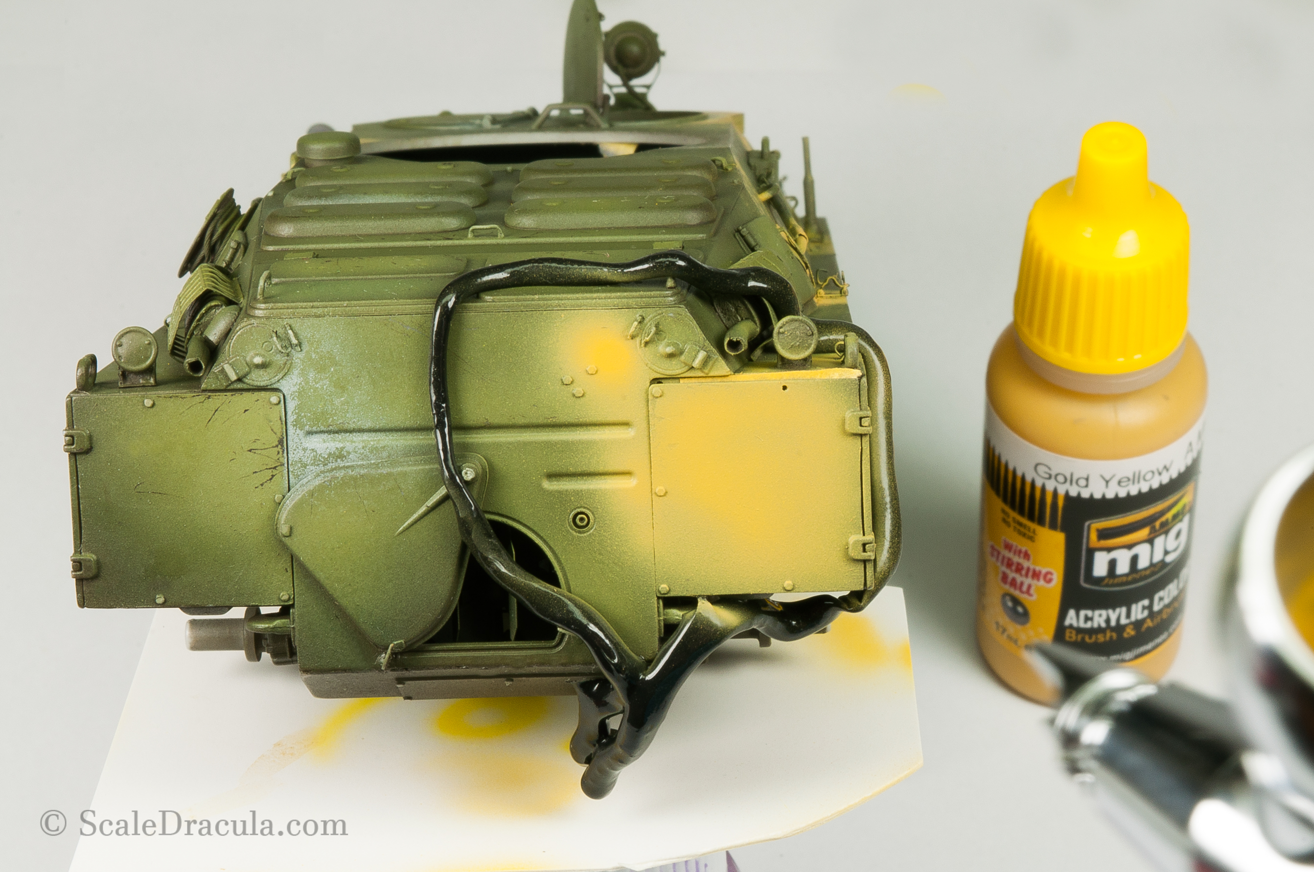 Painting the yellow camouflage, BRDM-2 by Trumpeter