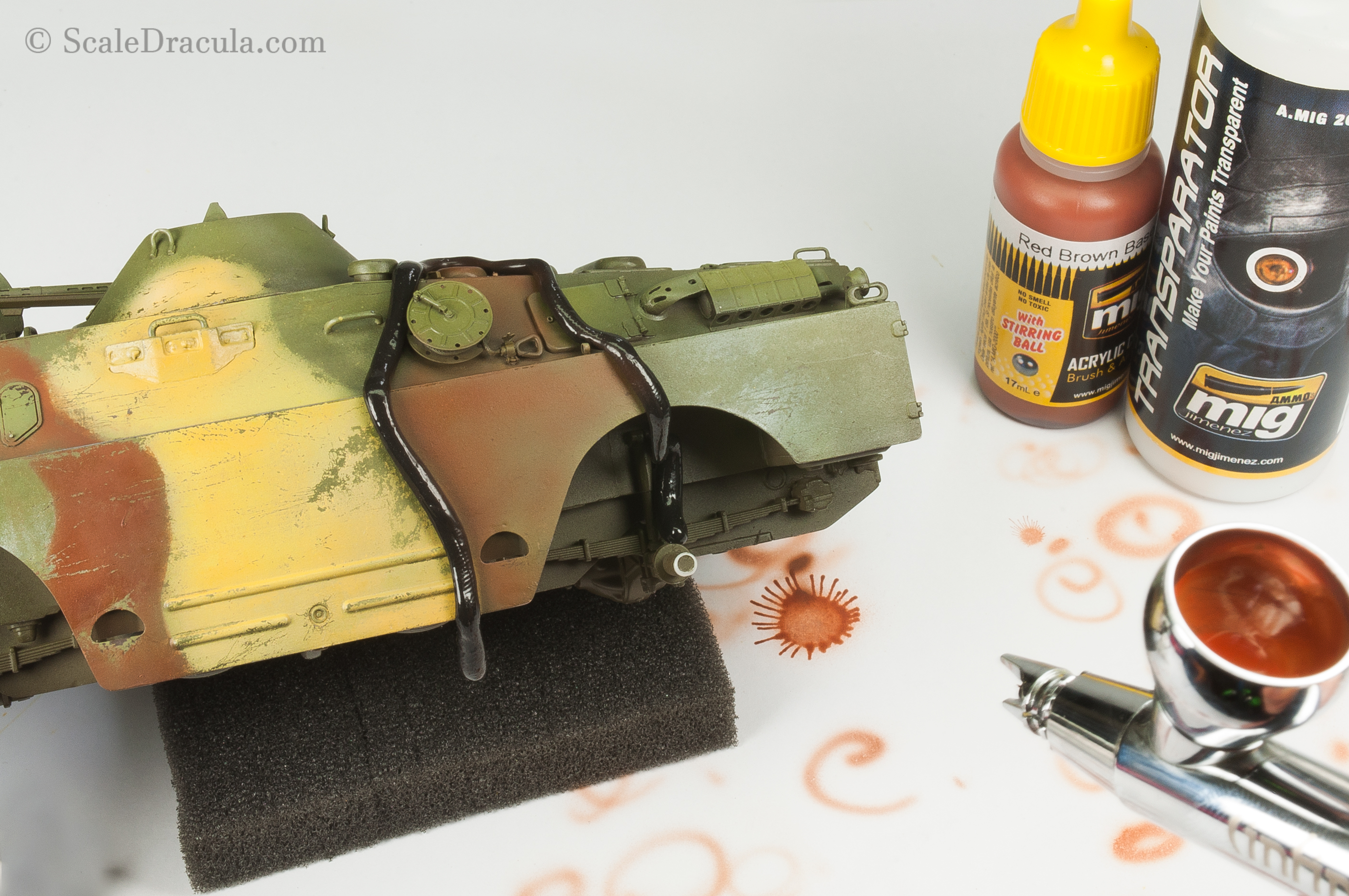 Airbrushing brown camouflage, BRDM-2 by Trumpeter
