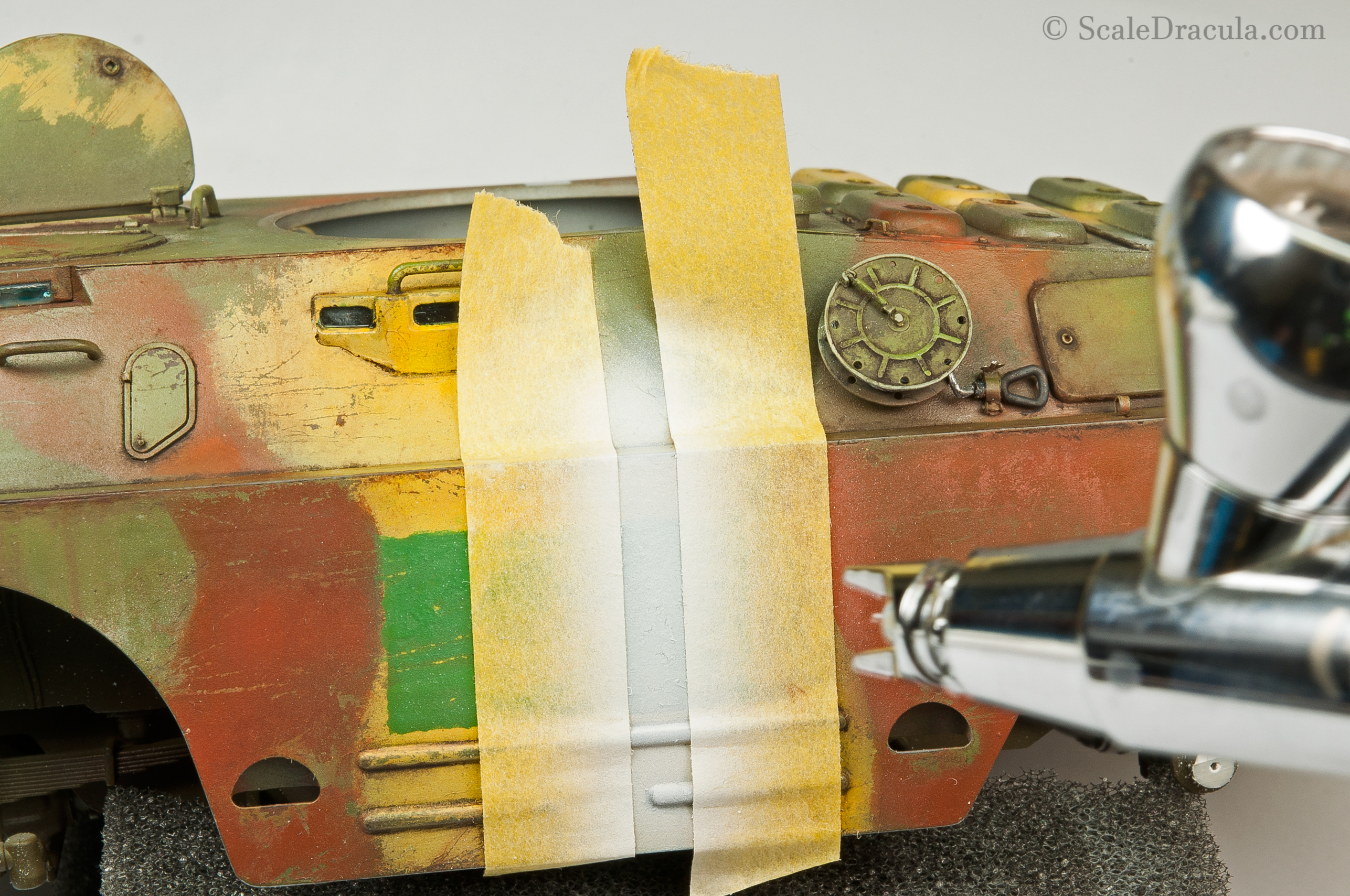 Airbrushing the white stripe, BRDM-2 by Trumpeter
