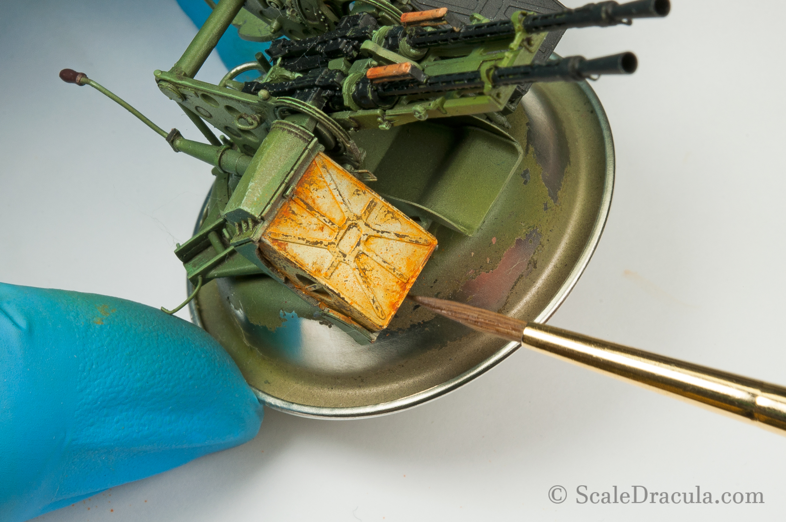 Painting rust residue on ZPU-2 gun, Toyota technical by Meng