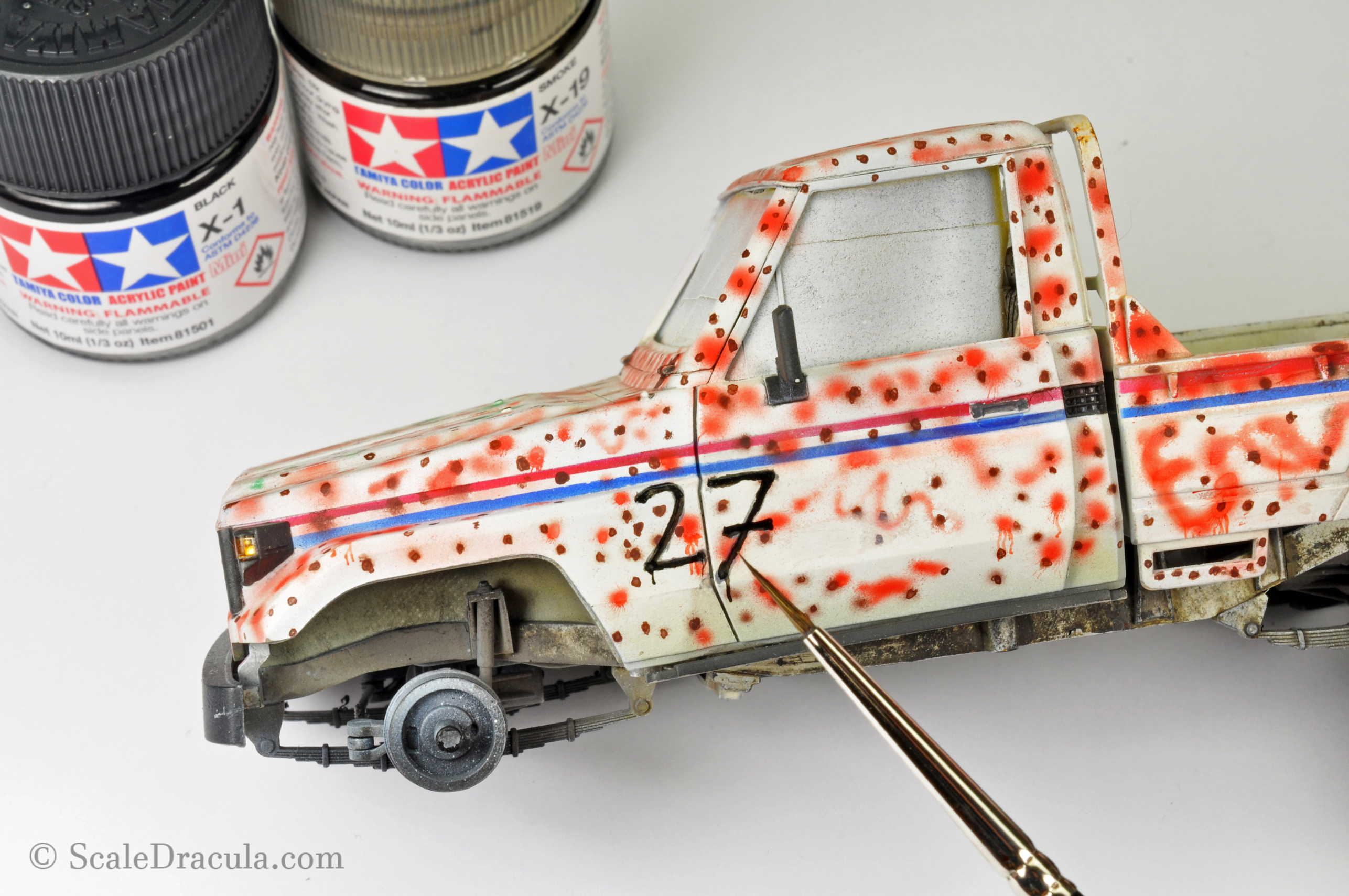 Painting the number free-hand, Toyota technical by Meng